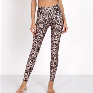 Onzie Leopard leggings